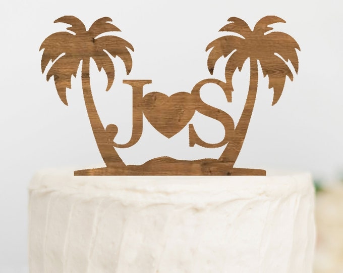 Beach wedding cake topper / Custom Mr and Mrs cake topper / Destination wedding decor / Tropical wedding cake topper