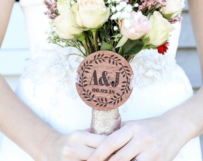Personalized BRIDAL BOUQUET MEDALLION / Bouquet Charm / Personalized wedding bouquet medallion