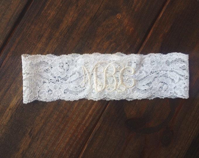 ELEGANT MONOGRAMMED GARTER in Ivory  / lace garter / toss garter / Elegant wedding / vintage garter