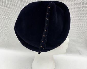 Vintage WWII 1940s 40s navy blue  velour tilt hat w/rhinestones