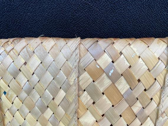 Vintage tiki 1950s woven straw 3D flower clutch p… - image 9