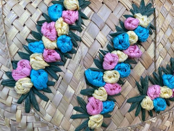 Vintage tiki 1950s woven straw 3D flower clutch p… - image 3