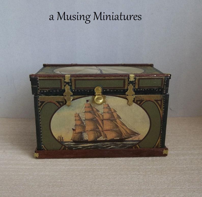 Miniature Dollhouse Hasp w// Modern Padlock
