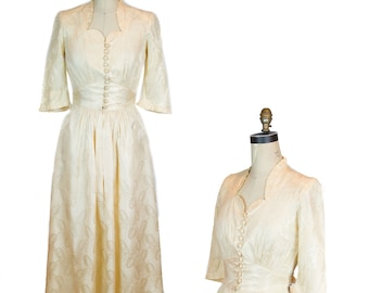 40e634dc9c1fe 1940s Dress ~ Champagne Old Hollywood Art Deco Dressing Gown by Hobert