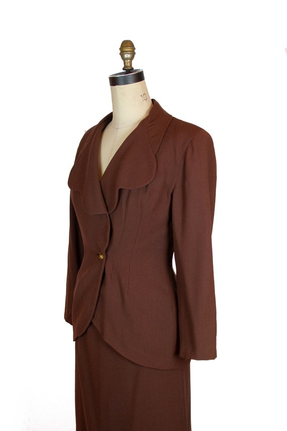 1940s Suit ~ Brown Wool Scallop Collar Tailored S… - image 4