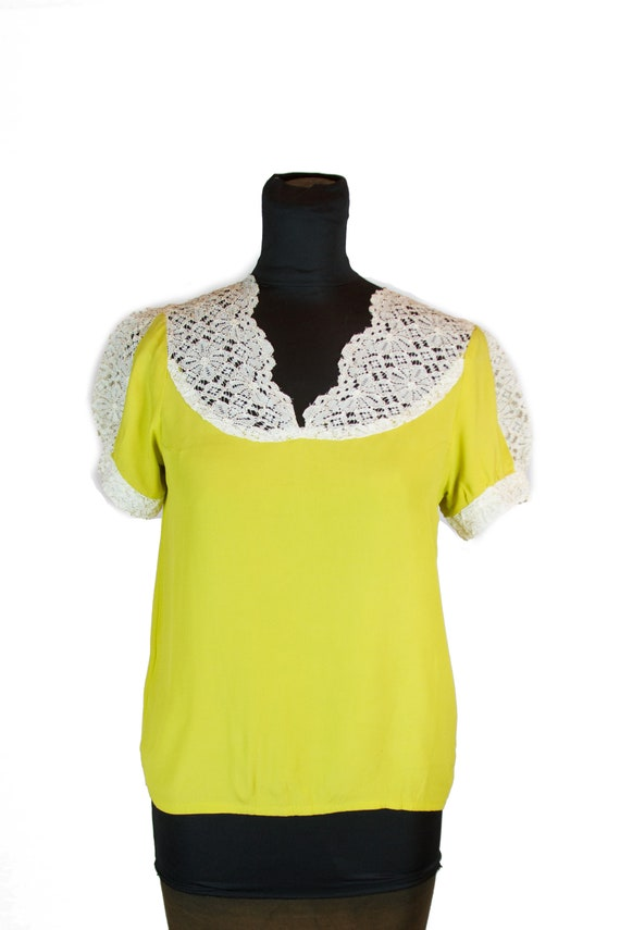 1940s Blouse ~ Chartreuse Puff Sleeve White Lace T