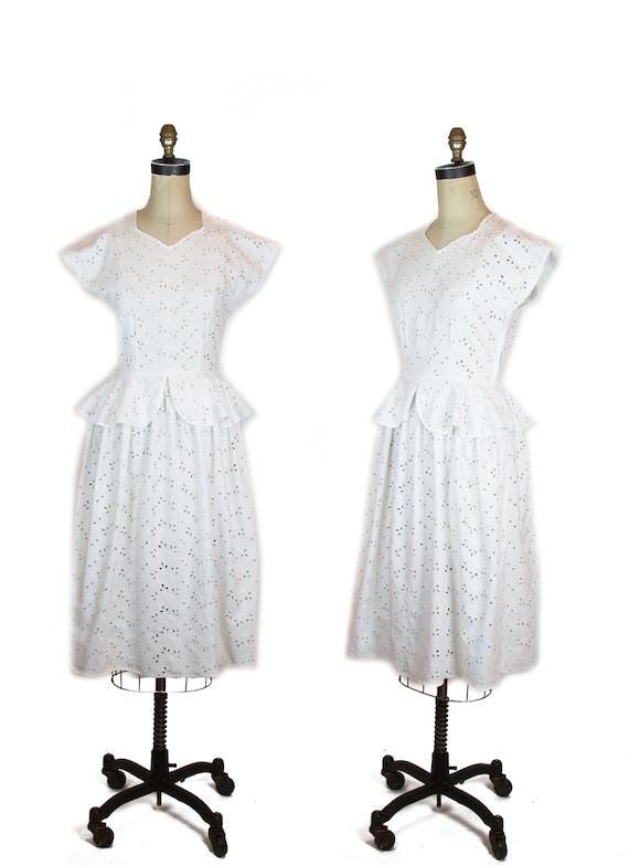 1940s Dress ~ White Cotton Eyelet Lace Peplum Slee
