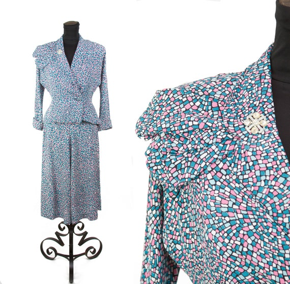 Vintage 1940s Suit ~ Mosaic Novelty Print Rayon Su