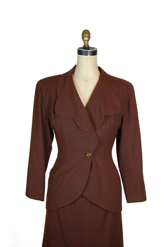 1940s Suit ~ Brown Wool Scallop Collar Tailored S… - image 3
