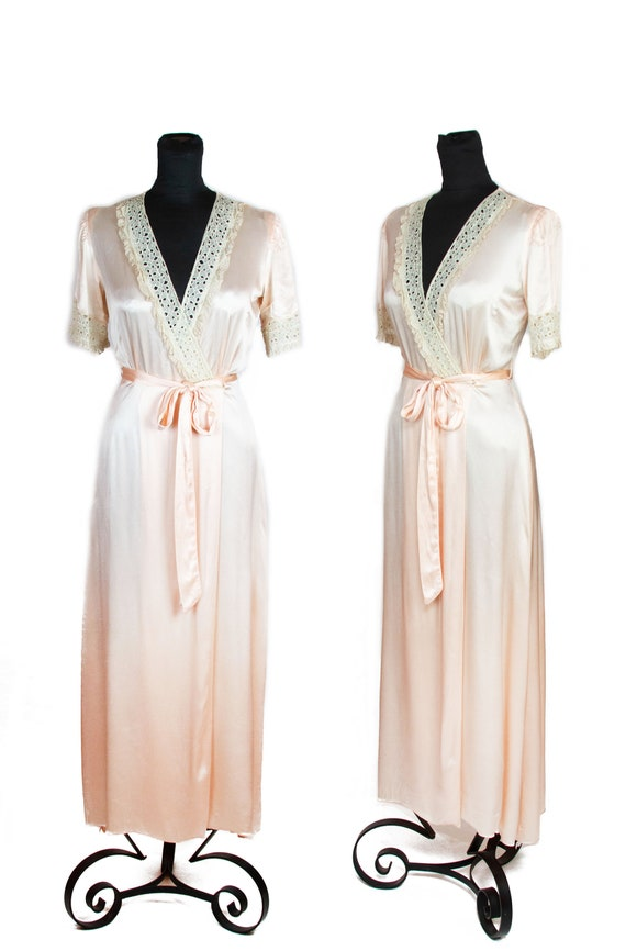 1930s Dressing Gown ~ Light Pink Satin Old Hollywo
