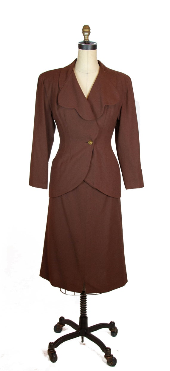 1940s Suit ~ Brown Wool Scallop Collar Tailored S… - image 2