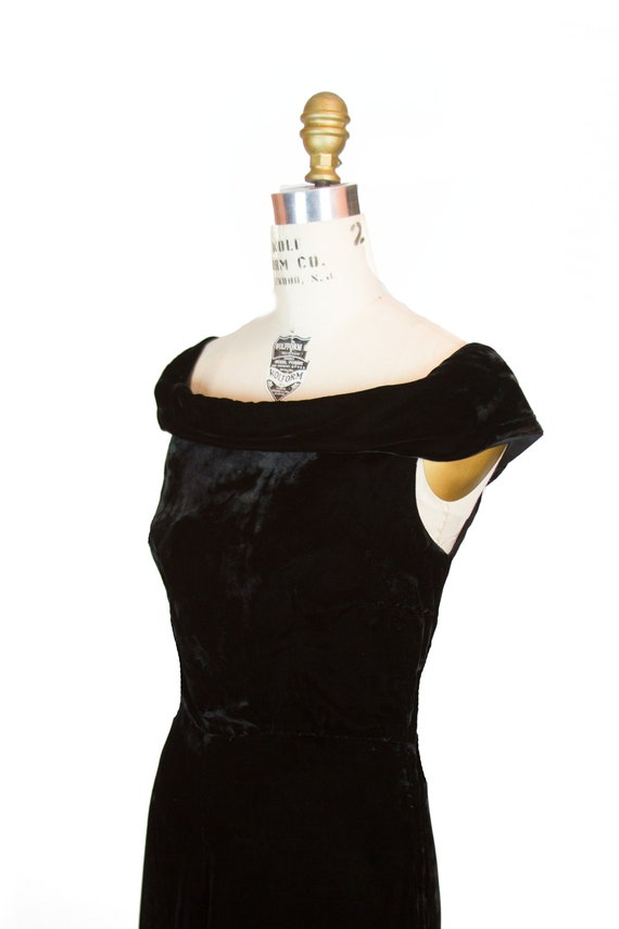 Vintage 1930s Dress ~ Black Velvet Evening Gown w… - image 2