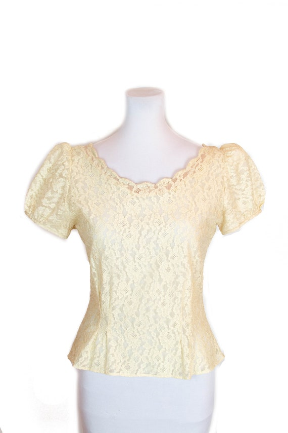 1940s Blouse ~ Cream Lace Puff Sleeve Scallop Edge