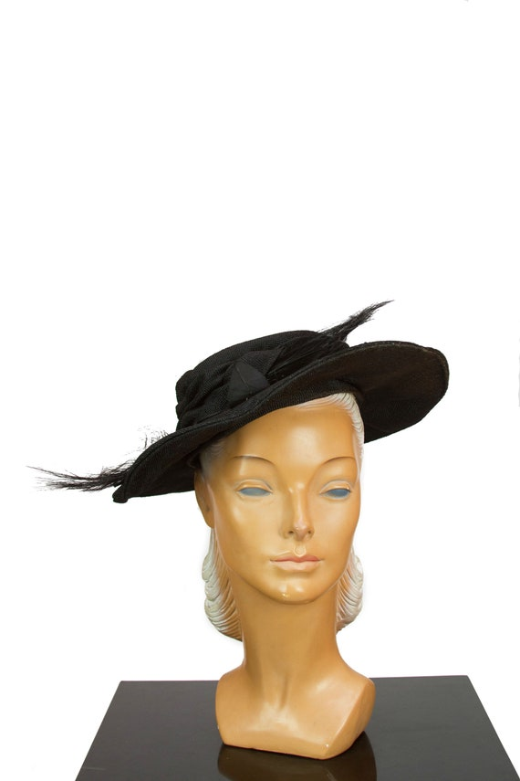 1950s Hat ~ Black Straw Feather and Millinery Leaf