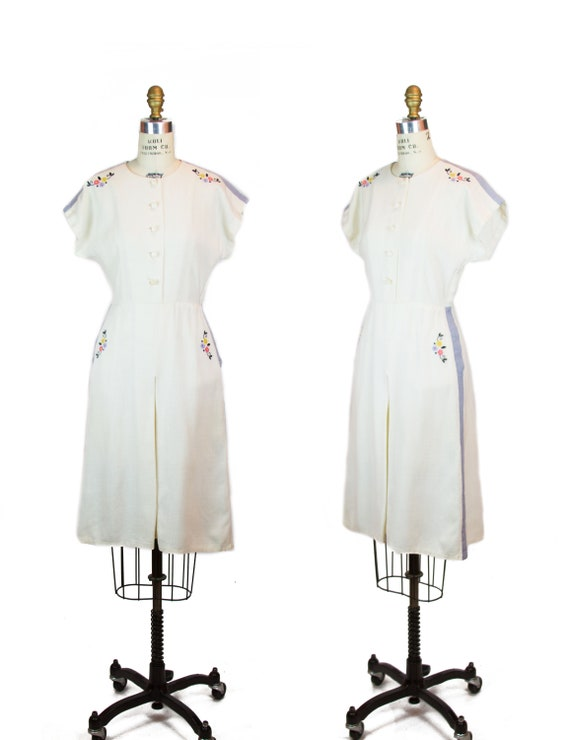 Vintage 1940s Dress ~ Ivory Linen Embroidered Flow