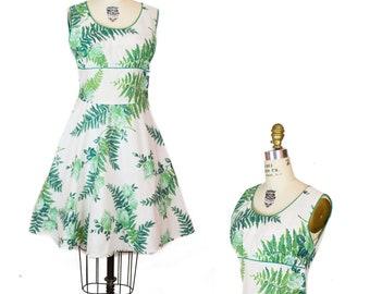 1950s Dress ~ Fern and Green Rose Floral Print Cotton Sundress
