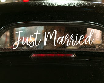 Just Married, Getaway Car,Just Married Sign, Getaway Car Sign, Wedding Decal,Wedding Sign,Wedding Decor,Just Married Decal,Wedding Car Sign