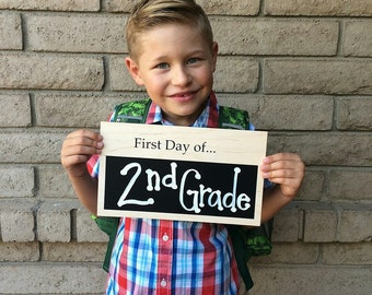 First Day of School Sign, 1st Day of School Chalkboard Sign, School Photo Prop, Personalized Chalkboard Sign, Back to School Photo