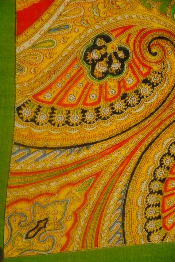 VIRGIN WOOL 100% Vintage Green SQuARE SCARF Russian Paisley   Etsy 25fd07770da