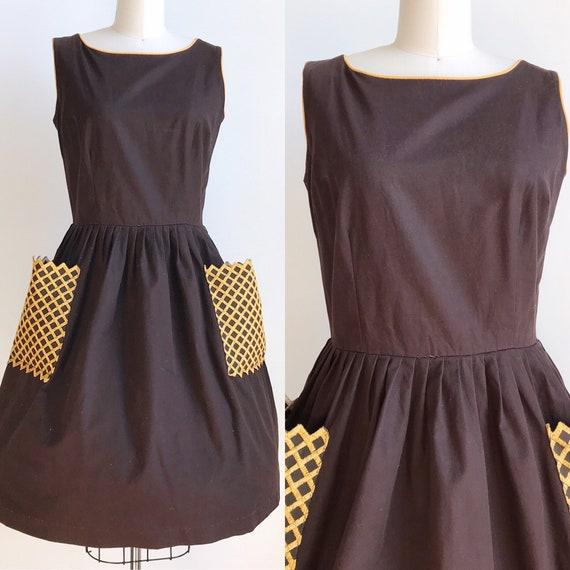 50s Vintage Brown Day Dress Large Pockets - Medium