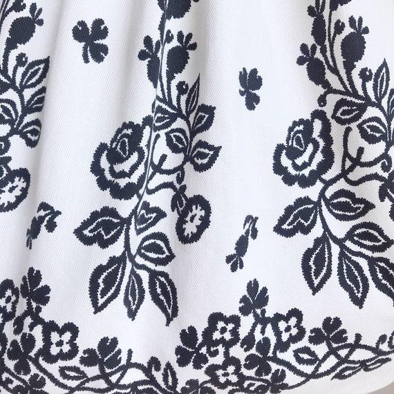 Vintage 50s Black and White Cotton Rose Border Pr… - image 3