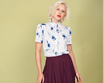 70s Blue White Graphic Blouse Vintage Short Sleeve Dotted Top