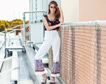 60s White High Waisted Bell Bottoms Vintage Psychedelic Print Pants