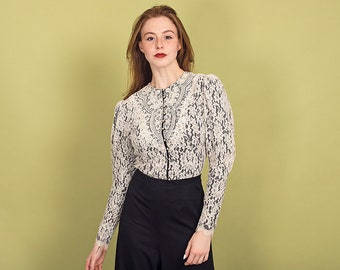 7657123f0a05f1 80s White Victorian Blouse Vintage Lace Pearl Long Sleeve Blouse