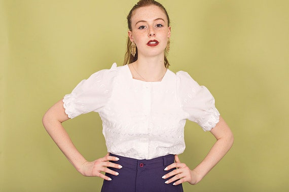 70s White Square Embroidered Blouse Vintage Dainty