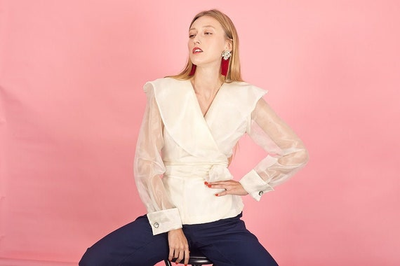 80s Off White Shimmery Statement Collar Top Vintag
