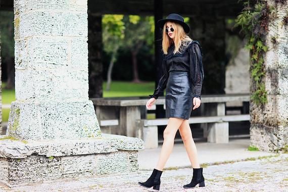 80s Leather Skirt Vintage Black High Waisted Fitt… - image 3