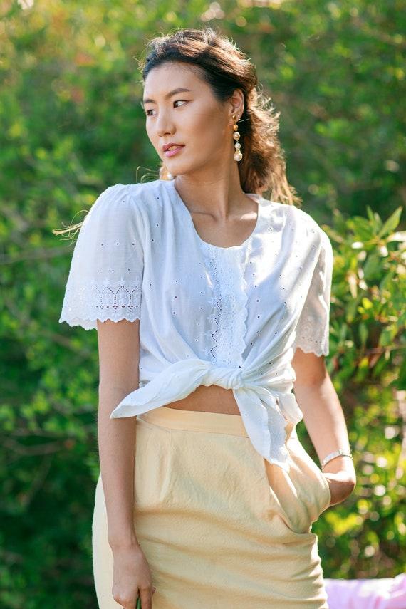 70s White Eyelet Cotton Spring Blouse Vintage Wov… - image 2