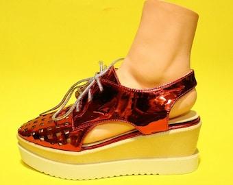 Vintage Womens 90s Red Platform Metallic Sandals Club Kid Rave Streetwear Kawaii Party Size 7