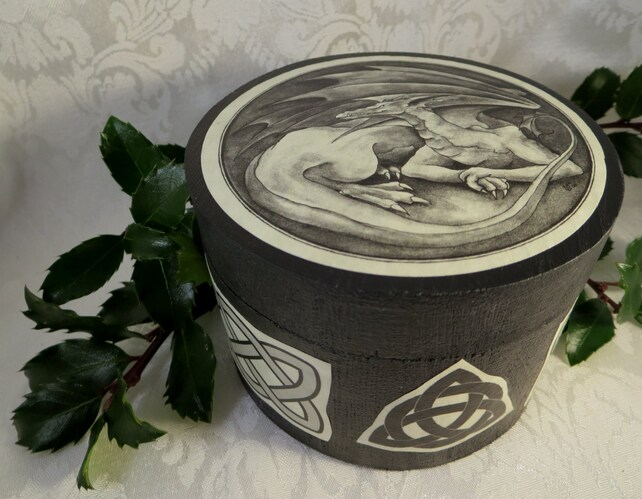 Round Celtic Dragon Box / Black Wooden Jewelry Ring Box / Wicca Pagan Fantasy Crystal Storage / Wedding Handfasting Ring Bearer Box