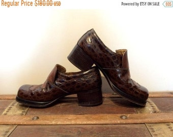 0e7102bd980 ON SALE 20% off vintage 1970s Disco Shoes    Unisex Pebbled Pattern Genuine Leather  Platform Italian Stacked Heeled Loafers    Mens 7 8 Wome