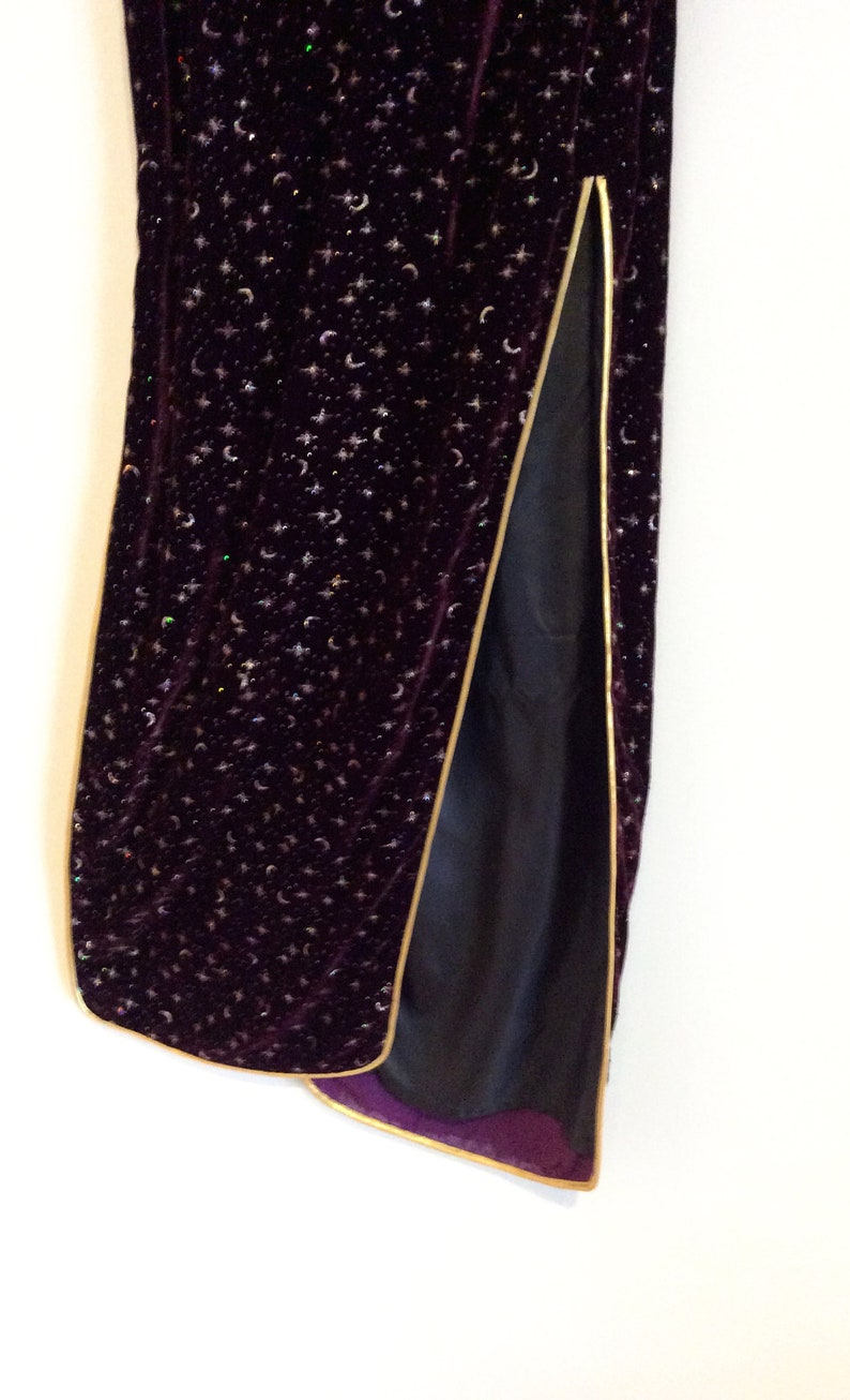 Vintage Cheongsam Deep Plum Purple and Gold Silk Velvet Holiday Dress Asian Christmas Wiggle cocktail party dress Gold Piping Frog Button