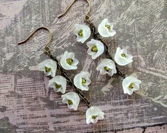 White Lily Flower Earrings, White Lucite Flowers, Swarovski Earrings, Flower Earrings, White Earrings, Dangle Earrings, Lucite  Earrings