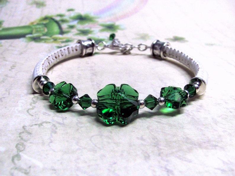 957ac5d1f18b Pulsera trébol verde cristales de Swarovski pulsera de