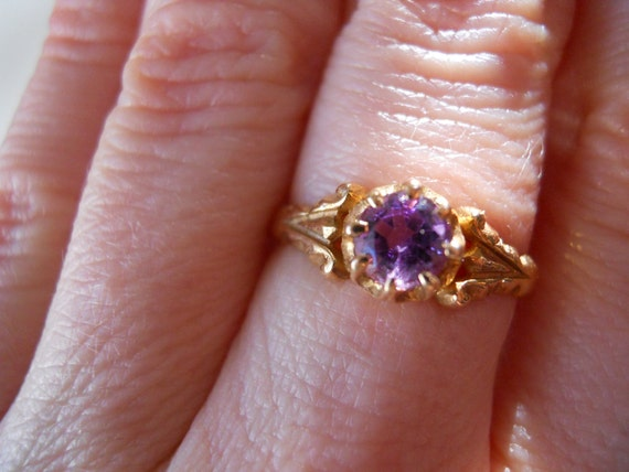 Antique Gold and Amethyst Ring size 7 1/2