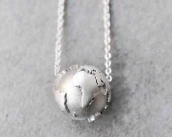 World Necklace / World Map Necklace / Traveler Gift/ Wanderlust Necklace/Travel Necklace/Travel Jewelry/Inspirational Gift/3D Globe Charm
