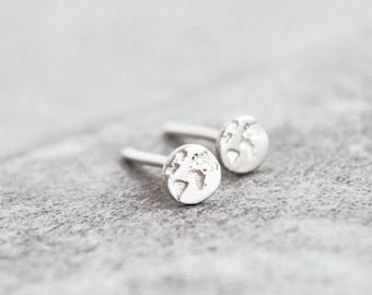 World Map Studs / Tiny Studs / Round Earrings / Travel Gift / Inspirational Gift / Globe Studs/Travel Studs/Travel Earrings/Gift for Women