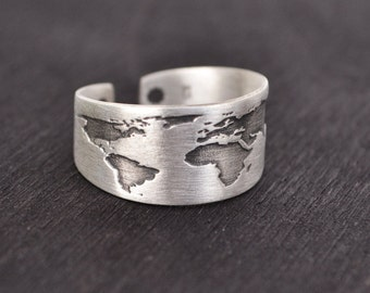 Travel Ring / Oxidized Silver / World Map Ring /Silver Ring / Gift for Women / Travel Gift /Inspirational Gift/Wanderlust Jewelry/Globe Ring