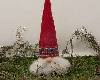 Clay Scandanavian Christmas Elf ~ Jultomten ~ Nisse ~ Tonttu ~ Tomten ~ Swedish Christmas Gnome ~ Nordic Gnome