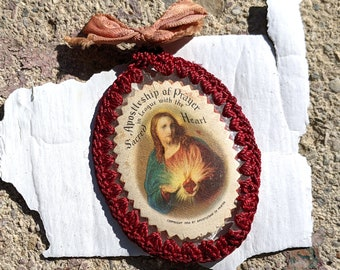 Old 1936 Sacred Heart indulgence scapular with red crocheted edge