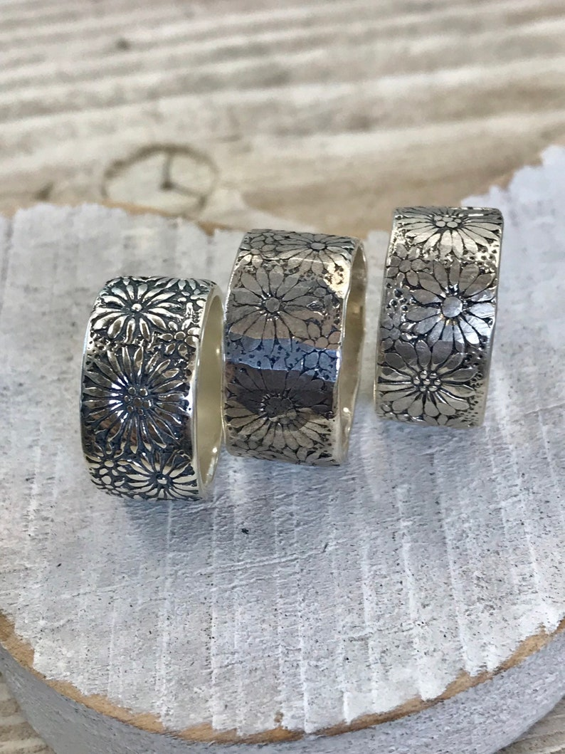 Daisy Happy Sterling Silver Band image 0