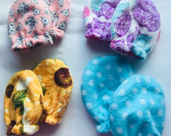 Set of 4 Baby Mittens