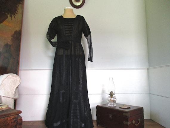 Antique petite country made Edwardian dress ~ a Do