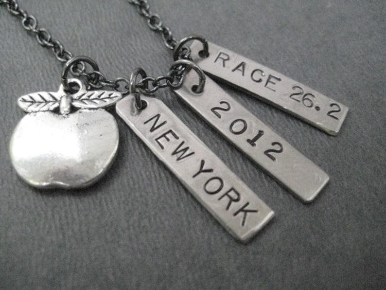 BIG APPLE New York City MARATHON Necklace  Choose your Date image 0