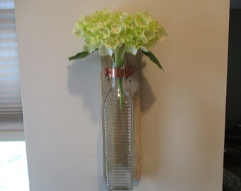 Wall Vase - Clear Glass Ribbed Bottle/Pallet Wood