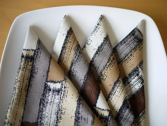 Cloth Dinner Napkins - Strata Print in Brown - Set of 4 - Holiday Gift, Wedding Gift, Housewarming Gift, Hostess Gift